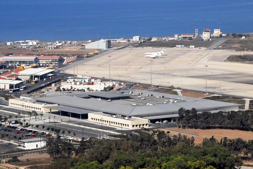 Pafos Airport (6)-K1000